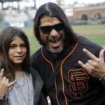 Robert Trujillo fala sobre seu filho ter tocado com o Korn